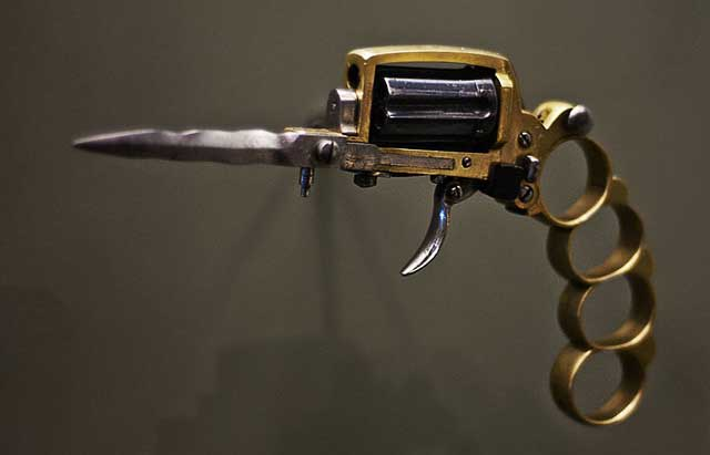 picture of Apache Revolver