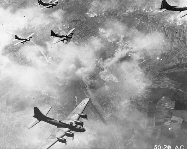picture of B-17s