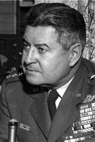picture of Curtis Lemay